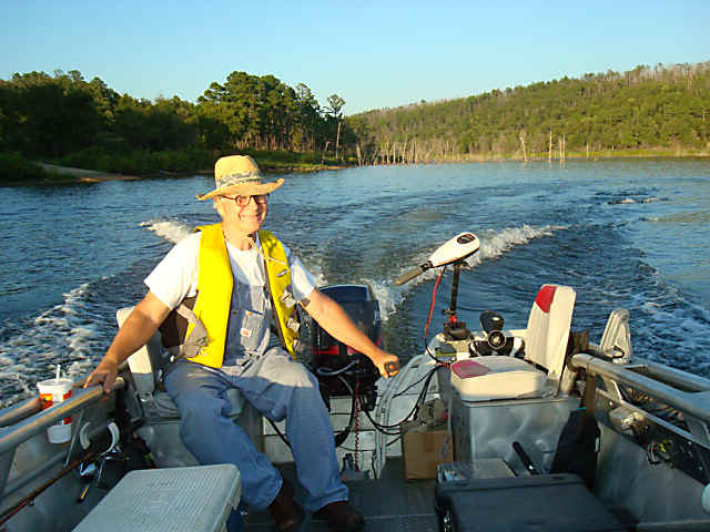 fishing, se oklahoma lakes, bass fishing, recreational boating, ranching, cattles ranches, farms, acreages.